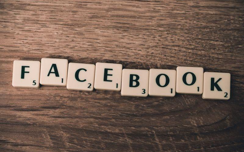 facebook-domino