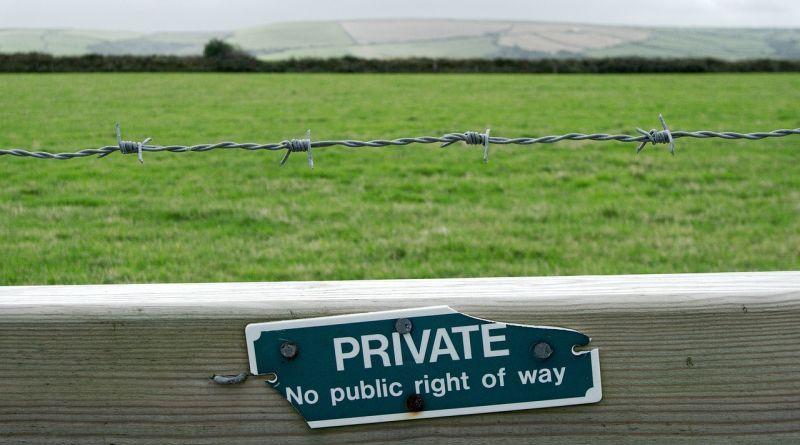 limiti-tra-pubblico-e-privato