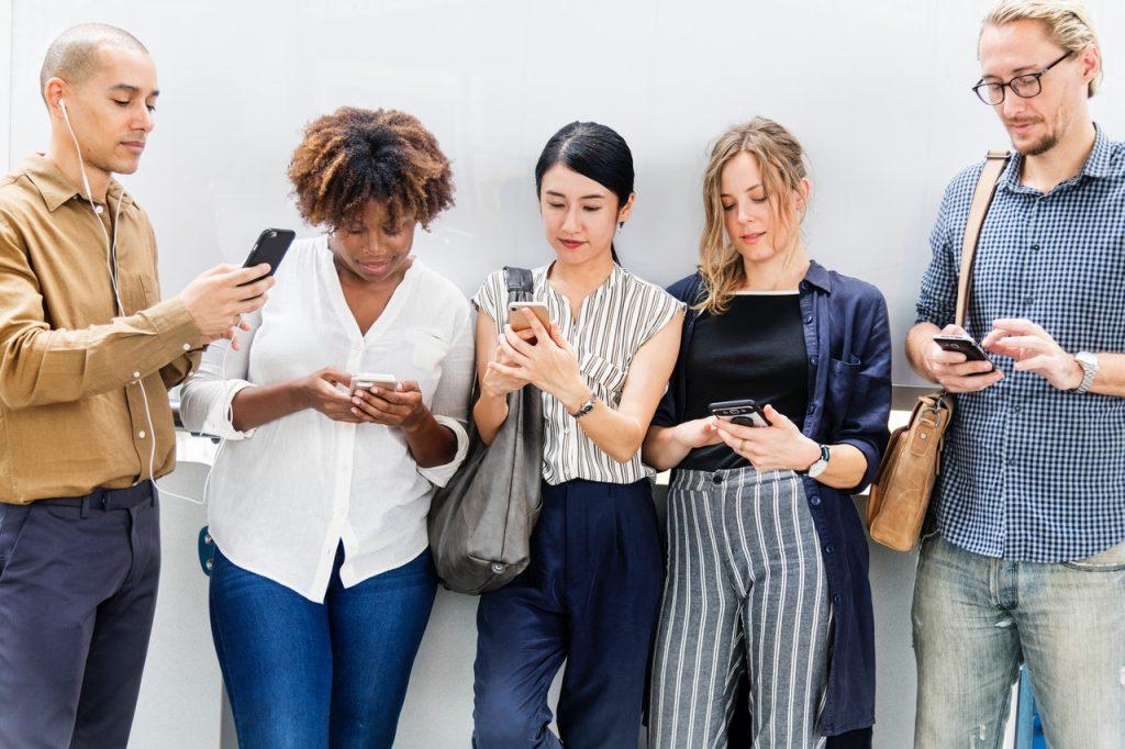 i social sono sempre più privati